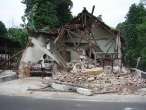 196-27-indonesia-earthquake