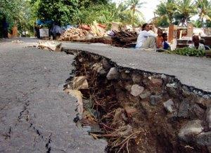 earthquake in road
