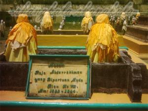 Makam Raja Abdurrahman di P.Penyengat Kepri
